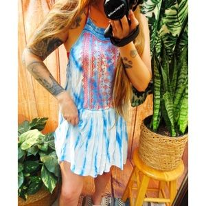 Embroidered hippy tie dye beachy dress 🌊